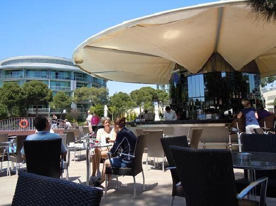 Calista Luxury Resort: 多くのバーやレストランがあり、全てフリーとなっています。