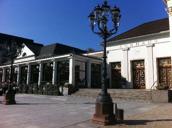 Dorint Maison Messmer: Adjacent Kurhaus & Casino area