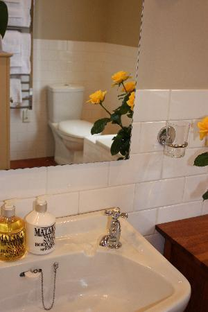 Mt Eden - Wisteria Cottage B&B: Bathroom