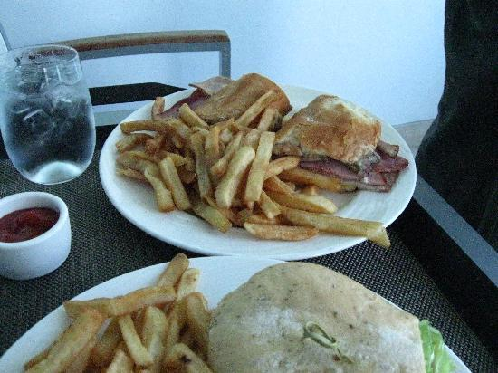 Kimpton EPIC Hotel: Lunch-Room Service