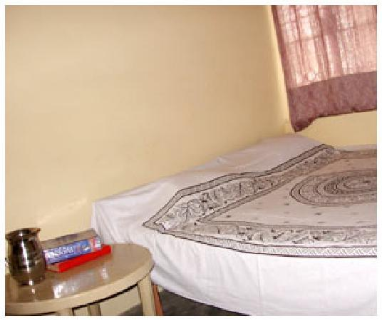 Uttam Apartments: Double bed room