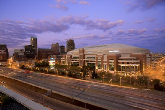 Saint Louis, Μιζούρι: The Edward Jones Dome, home of the St. Louis Rams