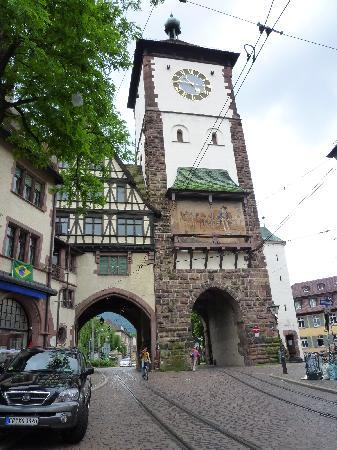Freiburg, Deutschland: Shwabentor( porta degli Svevi) XII sec.