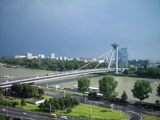 Bratislava, Slovacchia: Ponte sul Danubio