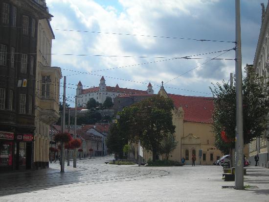 Bratislava, Slovacchia: Veduta del Castello