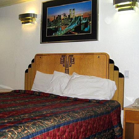 Sunrise Inn Gardena: Guest room