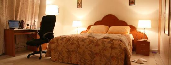 Ahadora Guest House: Exec room