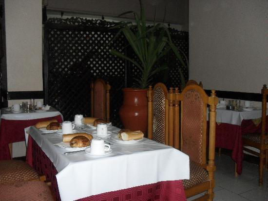 Du Pacha: Dinning room and breakfast