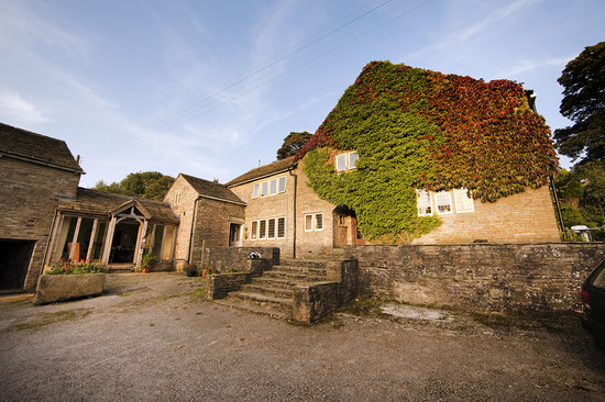 Macclesfield, UK : Harrop Fold Farm courtyard