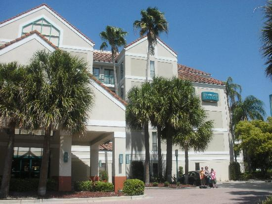 Sonesta ES Suites Orlando - International Drive: Hotel... Main entrance