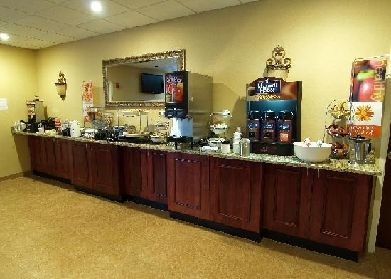Sleep Inn & Suites Hiram: Continential Breakfast Daily from 6 a.m. to 9 a.m.