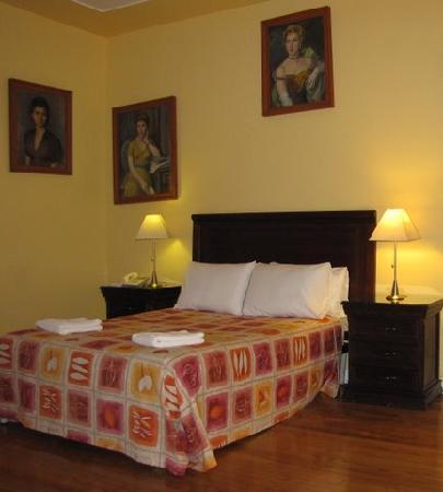 Hotel Casa Gonzalez: double room