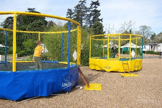Camping d'Angers - Lac de Maine : Trampolines
