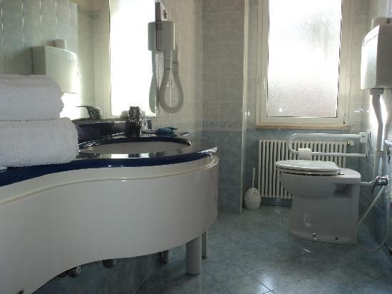 Hotel Des Bains: bagno