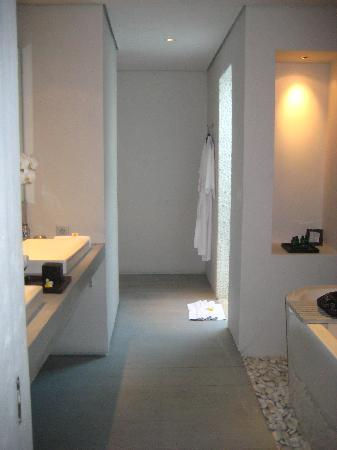 The Lombok Lodge: Bathroom