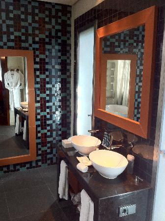 Hotel Palacio de Villapanes: Bathroom