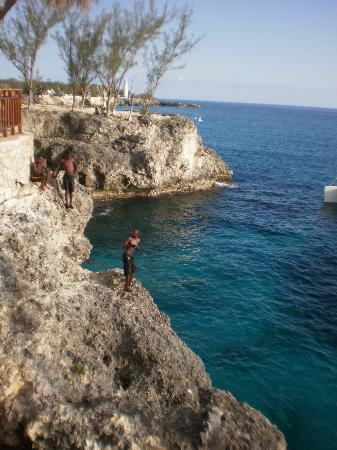 Couples Negril : Cliff diver
