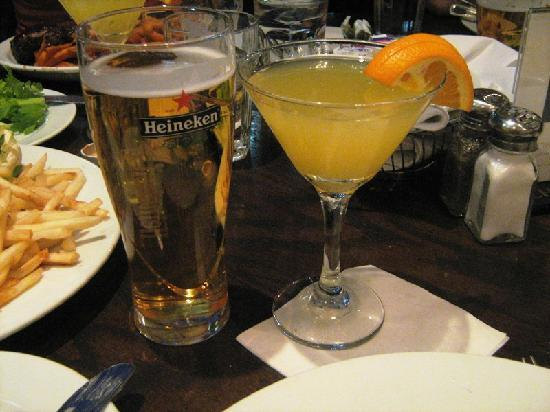 Firegrill Restaurant & Bar Montreal: Our drinks...it was very good