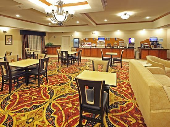 Holiday Inn Express Hotel & Suites Kilgore North : breakfast area