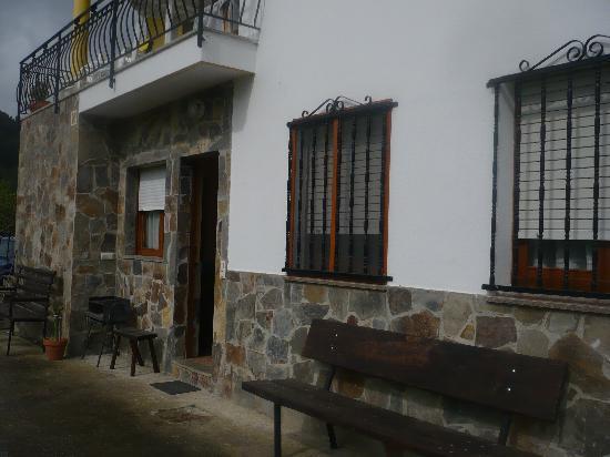 Apartamentos Rurales Casa El Caminero: fachada