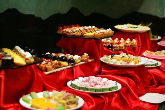 Club Med Phuket: Dessert - different every day & night