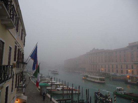 Hotel Antiche Figure: Winter in Venice - early morning from our balcony