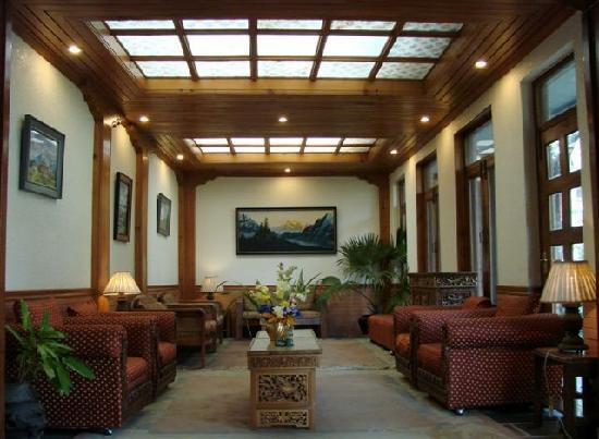 Nirvana Garden Hotel: Lobby2
