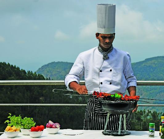 Grand Palace Hotel & Spa Yercaud: Barbecue Grill