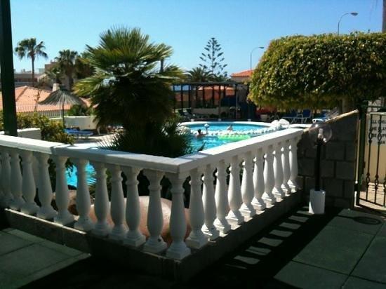 Ona Sueno Azul : pool from activity area