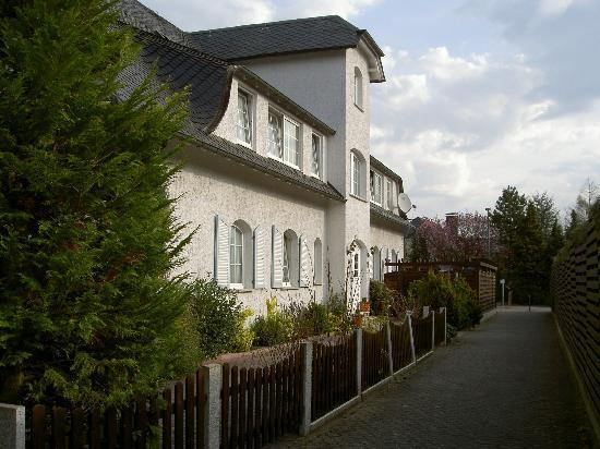 Vital & Wellnesshotel zum Kurfürsten : Eingang Villa BelVital