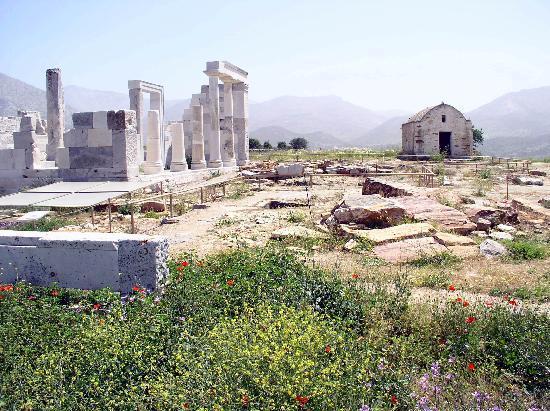 Temple of Demeter: Antike Anlage und byzantinische Kapelle