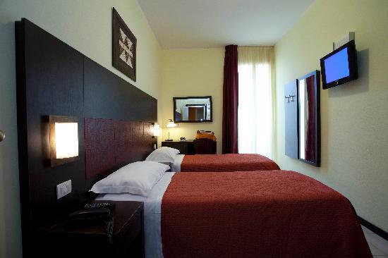 Hotel Alibi: stanza