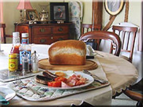 Redgates Farmhouse : Full English breakfasts