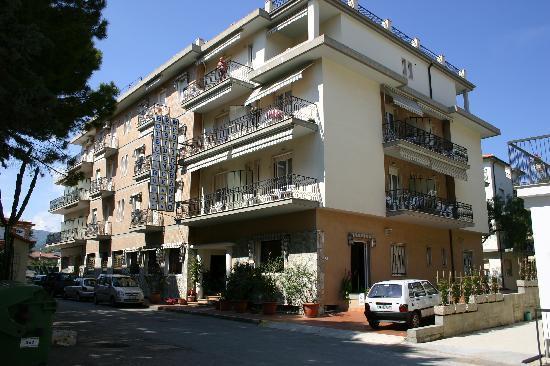 Hotel Residence Mediterraneo: esterno