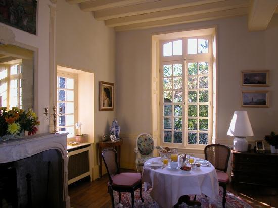 La chancelière : petit déjeuner dans un salon