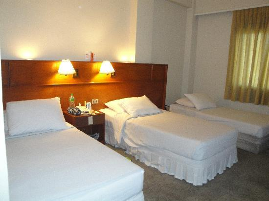 Grand Menseng Hotel: bed