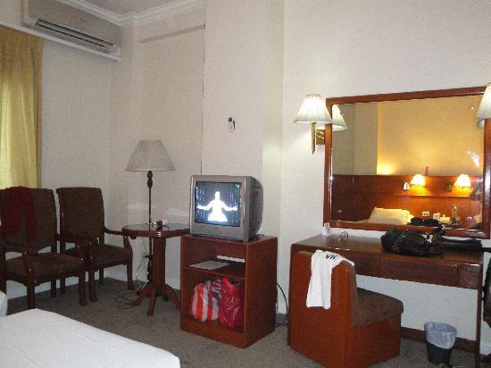 Grand Menseng Hotel: tv