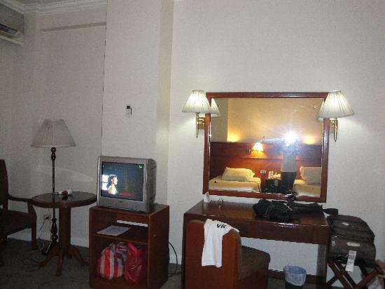 Grand Menseng Hotel: tv 2