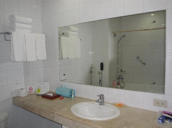 Grand Menseng Hotel: lavatory