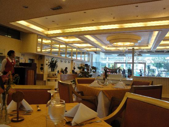 Grand Menseng Hotel: dining area