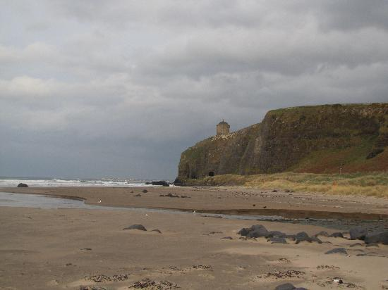 Mussenden Temple: Temple from Below