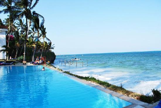 Beach Resort Mombasa The Chilled Pool