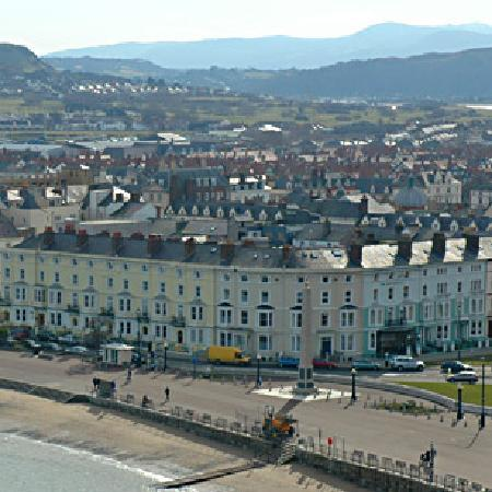 Merrion Hotel: High Tide in Llandudno