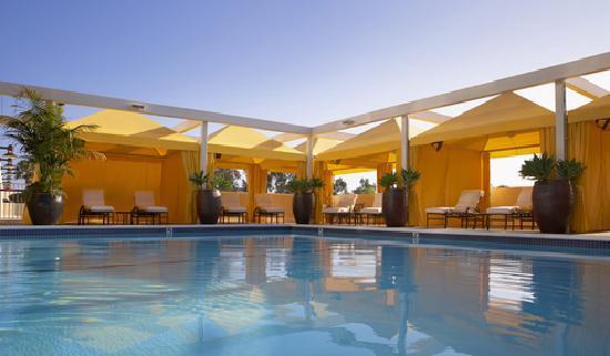 Fairmont Newport Beach : Palms Pool and Cabanas
