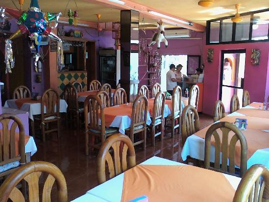 Los Mestizos Restaurant: vista por dentro 2