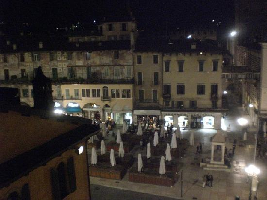 Hotel Aurora: Piazza del Erbe from my room