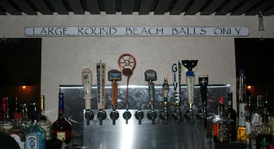 Quahog Republic Dive Bar: Serving 10 beers on tap