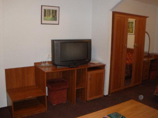 Hotel Zhovtnevy: Zimmer