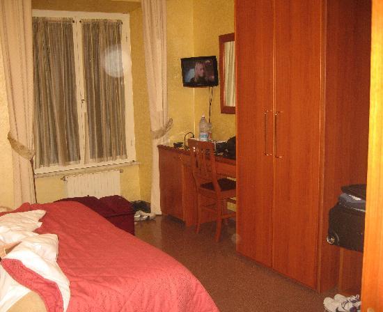Hotel Milo: Window