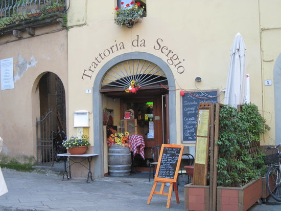 Nero di Seppia: Exterior of Trattoria da Sergio